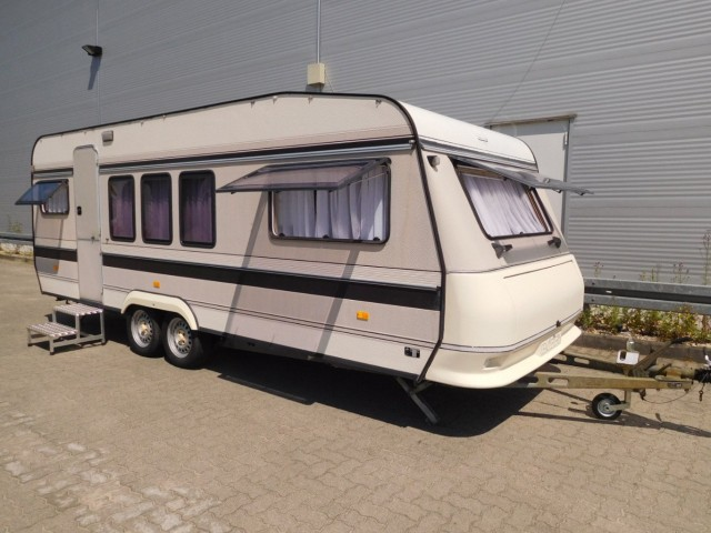 hobby 580 tlm prestige xxl wohnwagen tandem vorzelt 1 hd. Black Bedroom Furniture Sets. Home Design Ideas
