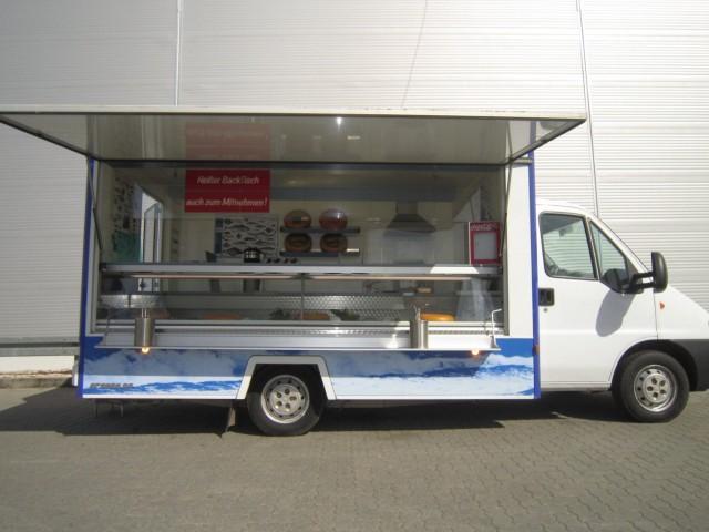fiat food truck f r fisch fleisch k se molkerei imbiss seafood in berlin und brandenburg. Black Bedroom Furniture Sets. Home Design Ideas